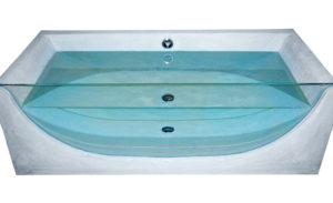 Vasca cm 210 x 100 sagomata con inserimento vetro temprato mm 19